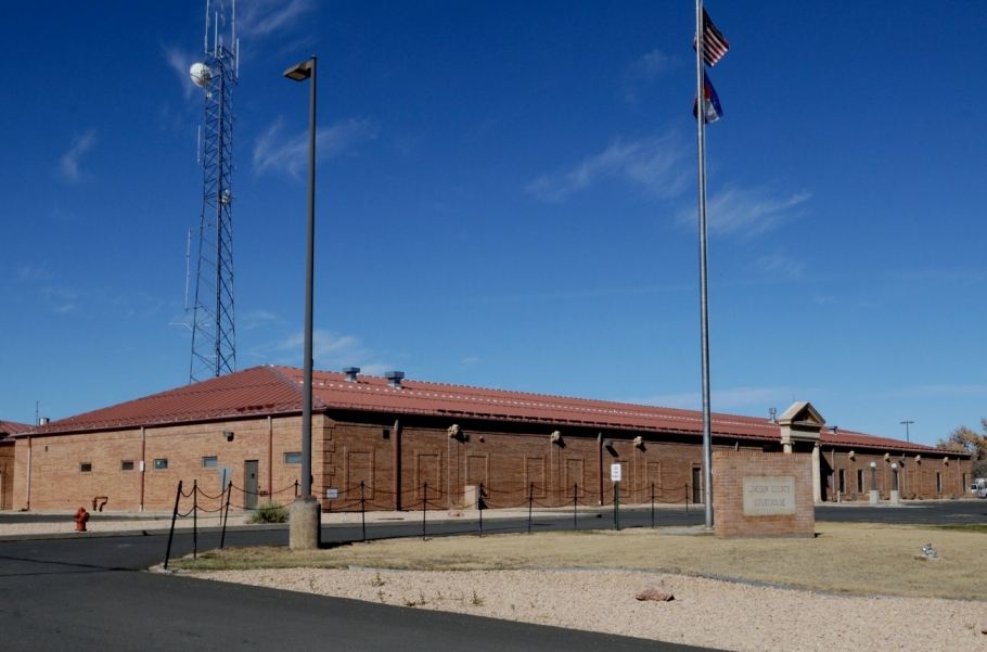 Lincoln County Courthouse in Hugo Colorado - 2010 photo by Tom Grier, Winona Minnesota, via Panoramio